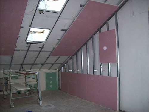 paroi de plaques de plâtre de plafond chauffant
